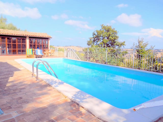 Tolles Studio mit schwimmbad & Wifi