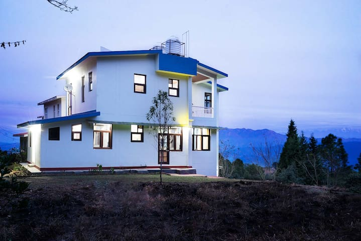 Private Outhouse w/ Pantry+View&BKFST@Ranikhet