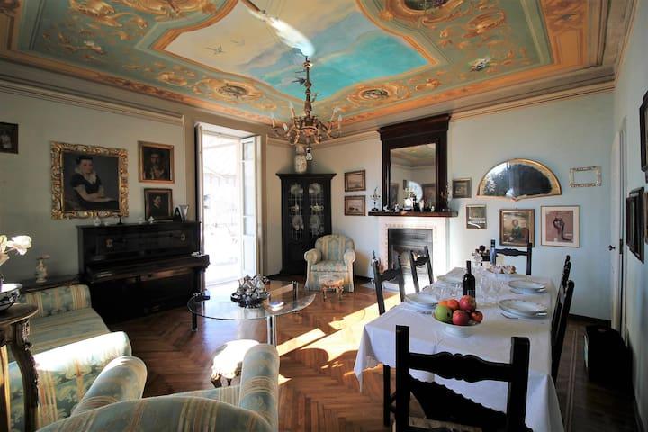 Chiara un gioiello di fascino con grande terrazzo - Miasino - Apartament