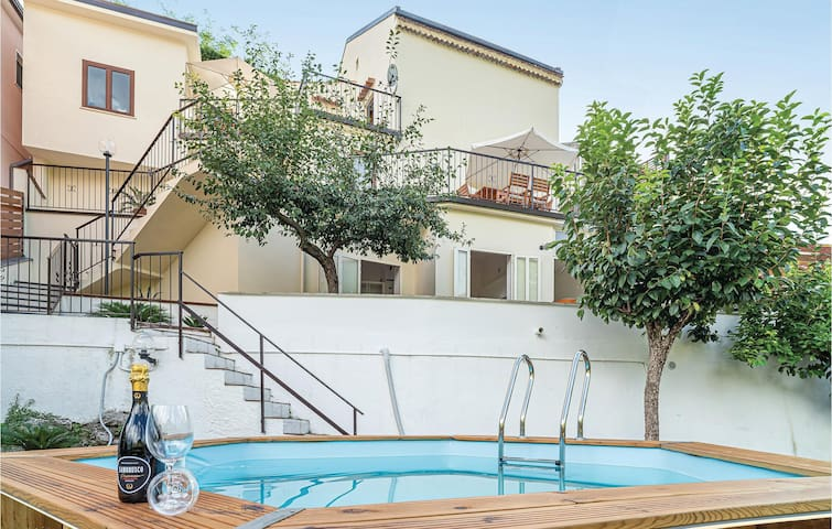 Holiday cottage with 3 bedrooms on 120m² in Torraca
