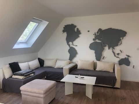Auch für private Reisen: Helle und große Wohnung