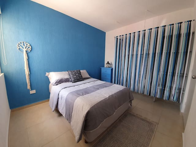 The blue Room. Scape the world, feel the blue vibe