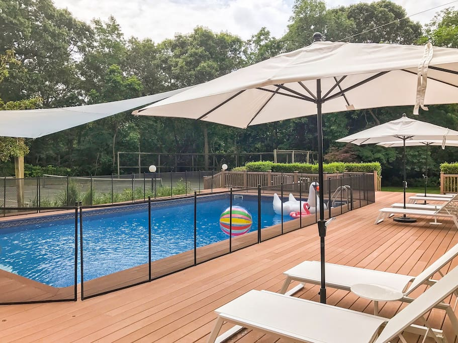 Deck, pool and tennis court