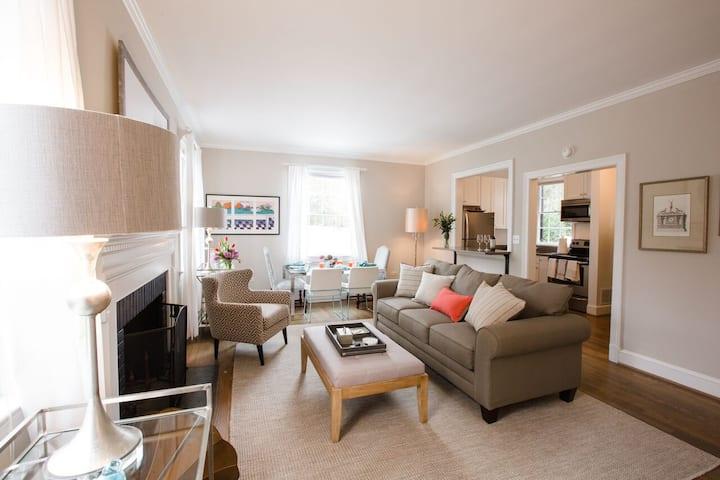 Luxurious Cottage at UVA