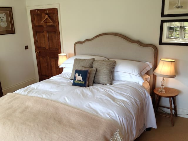 Goodwood, cosy double bedroom - Chichester  - Haus