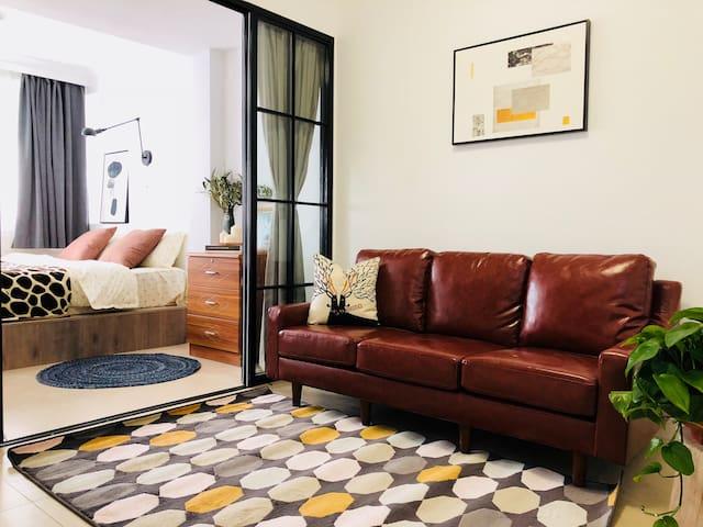 客厅& 卧室1  living room & bedroom 1