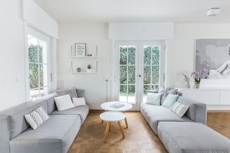 Cosy modern house with terrace in Waterloo