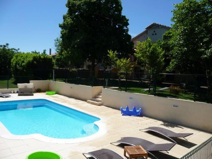 Maison du Gard - villa with private swimming pool