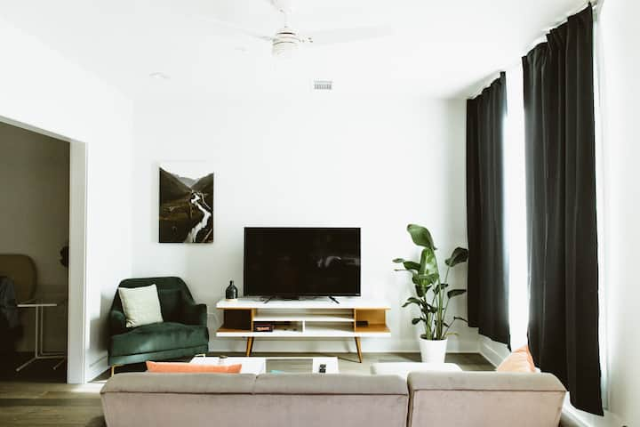 Cozy Modern Condo in the Heart of East Austin