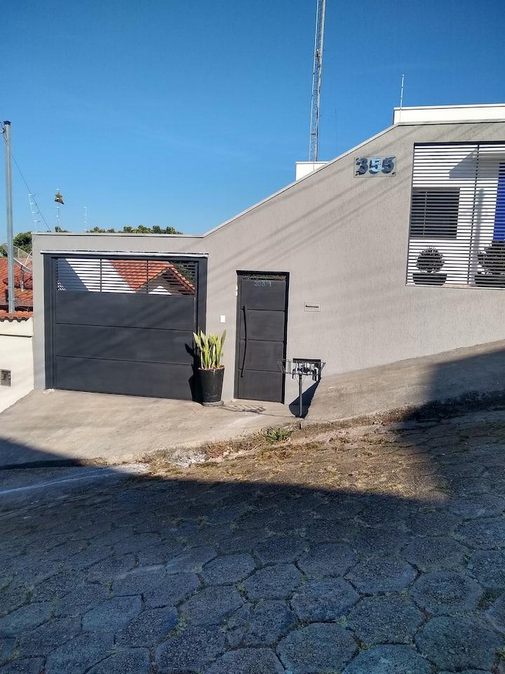 Apto inteiro próximo ao  centro de Pouso Alegre MG