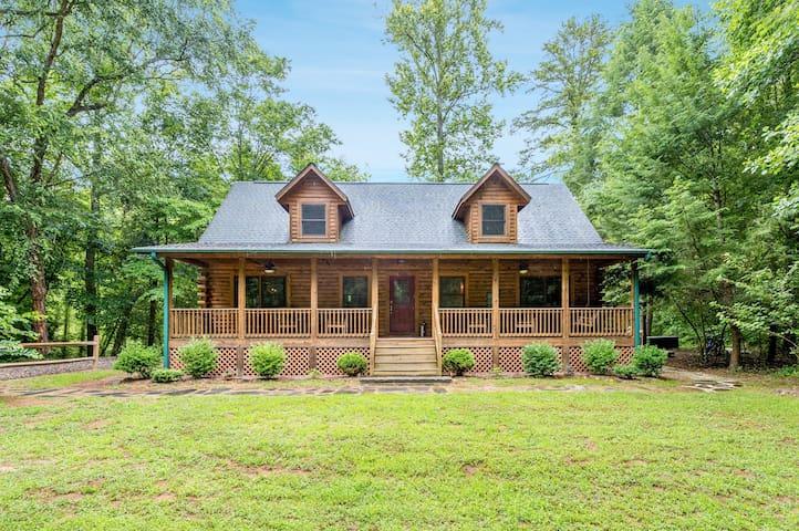 Riverside Cabin Retreat! 3BR Log Home on 1 Acre w/ Hot Tub