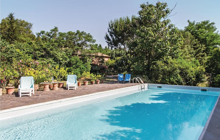 Holiday cottage with 3 bedrooms on 330 m²