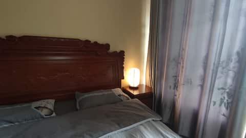 【雲上】中式复古套房,带卫生间。别墅内一间,整租请看主页。