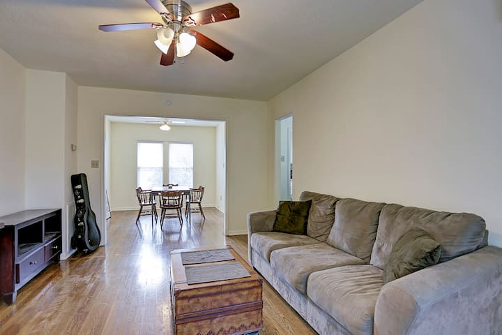 Spacious, Comfortable Room in Montrose - Houston - Dom