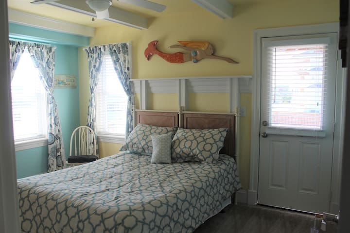 Pier House B&B - Deckside Room