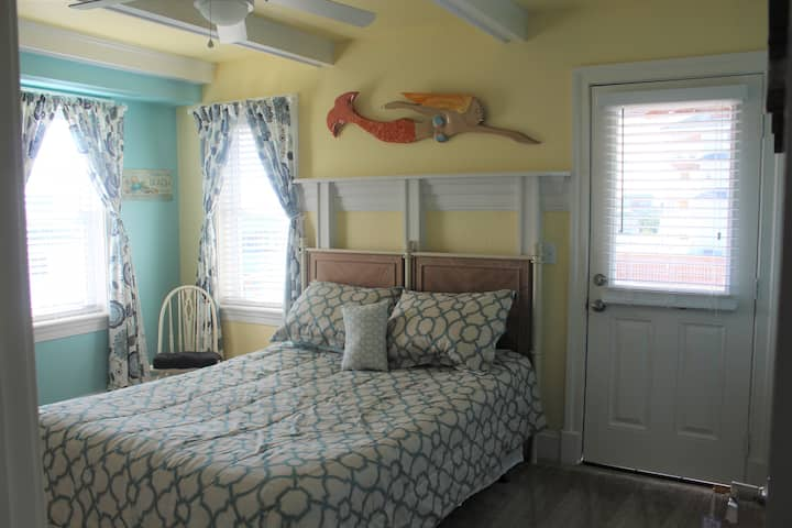 Pierhouse B&B - Deckside Room