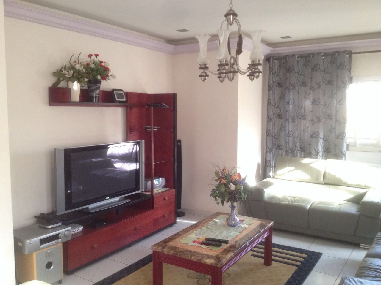 Appartement Tout Confort Meubl Bastos Yaound Serviced Flats  # Meuble Tv Yaounde