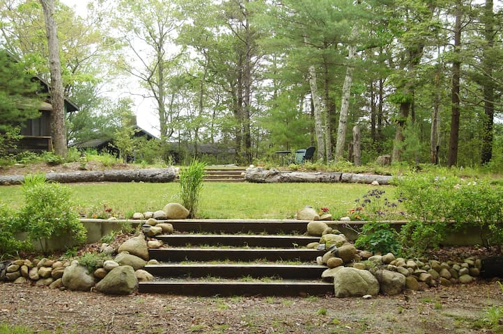 Magnificent Lodge and Cabins on Long Pond