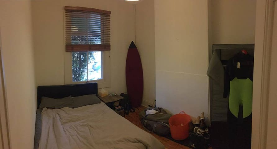Sunny Double Room in Heart of Newtown - Newtown - Wohnung