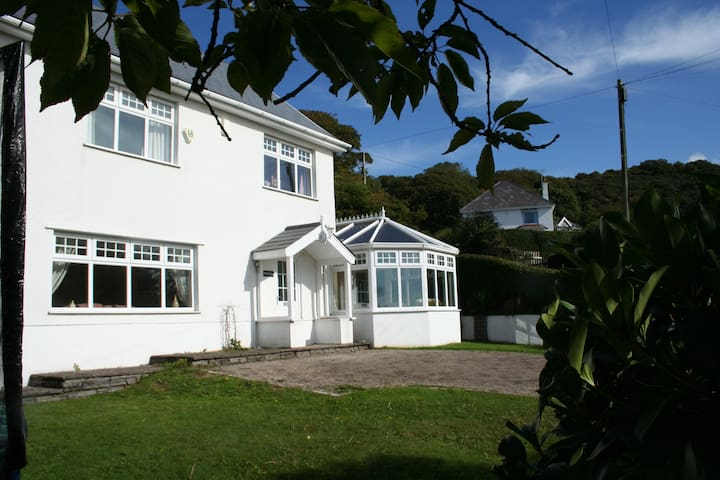Beautiful Beach House, Horton & Port Eynon, Gower