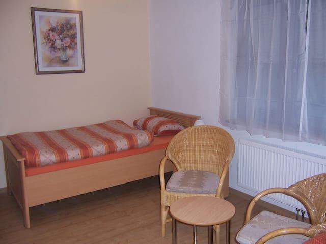 Haus Obersulm Zi. 2    Doppelzimmer - Obersulm
