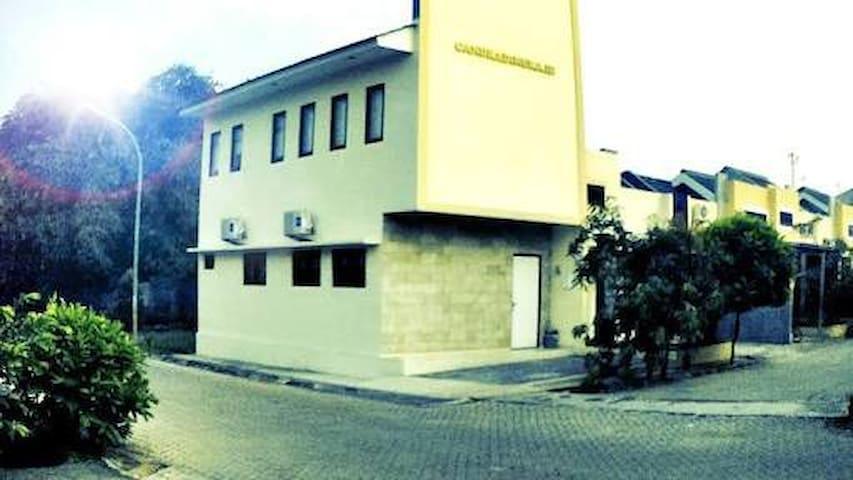 Homestay Cibubur Mansion