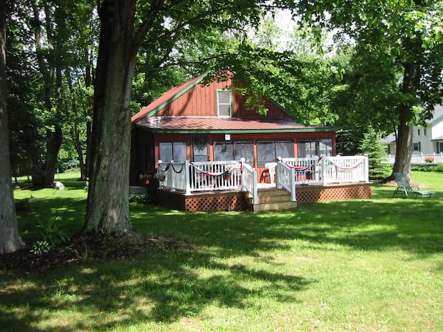Barristers Bungalow on Oneida Lake