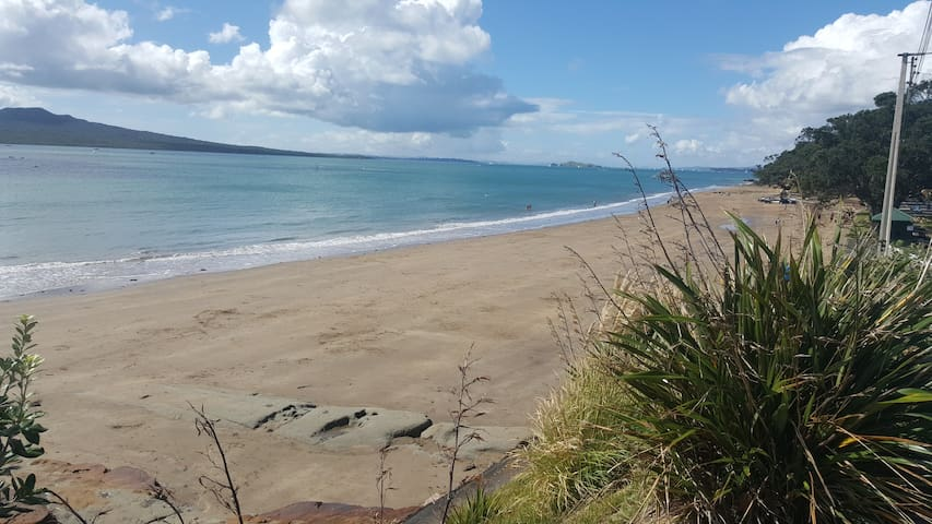 Great Location Close To Beaches and Cafes