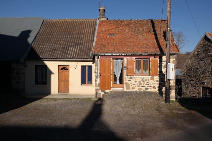 Chez Gand-Mère - Maison de vacances dans le Cantal