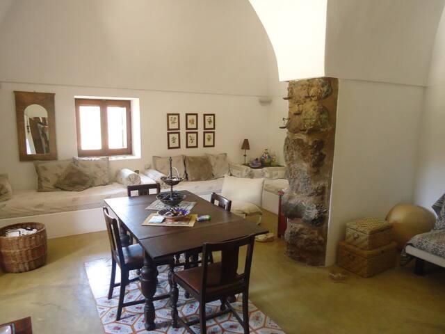 Supra & Sutta - Scauri - บ้าน