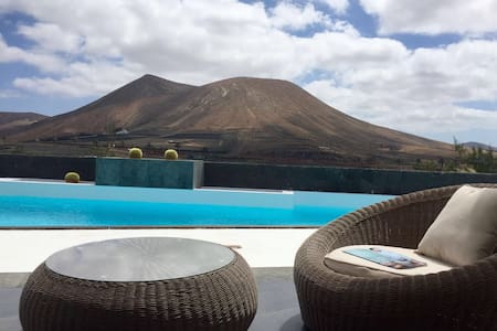 3 bedroom Villa with stunning views, heated pool* - Rumah