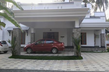 Luxury Villa in Kannur - Kannur