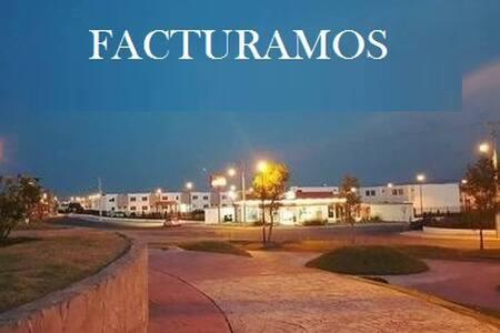 648 Casa completa en Fracc. Viñedos (facturamos)