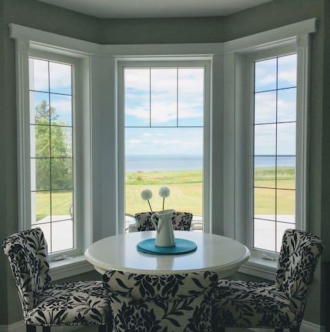 Executive Beach House on the Toney Shore