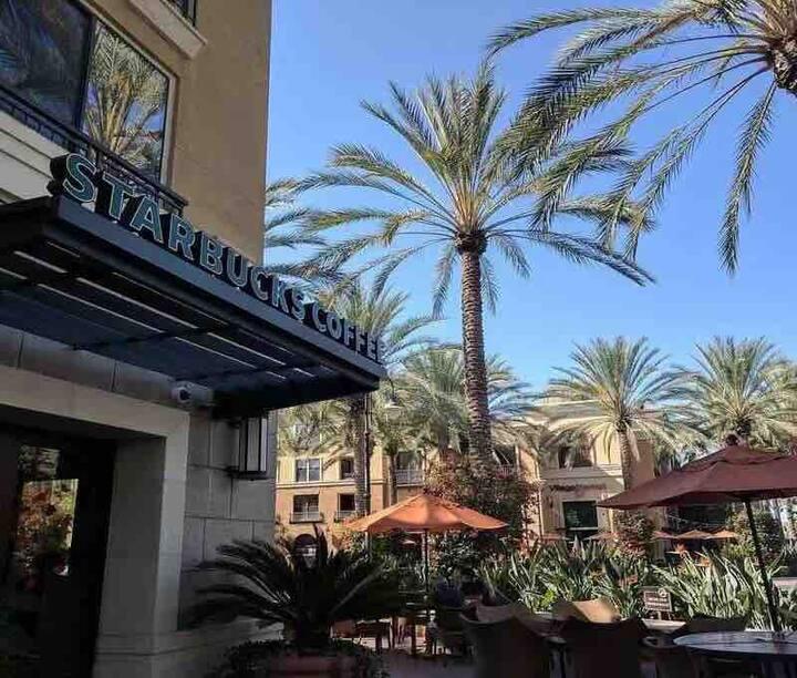 尔湾光谱 The Village 2B2B Irvine Spectrum Center