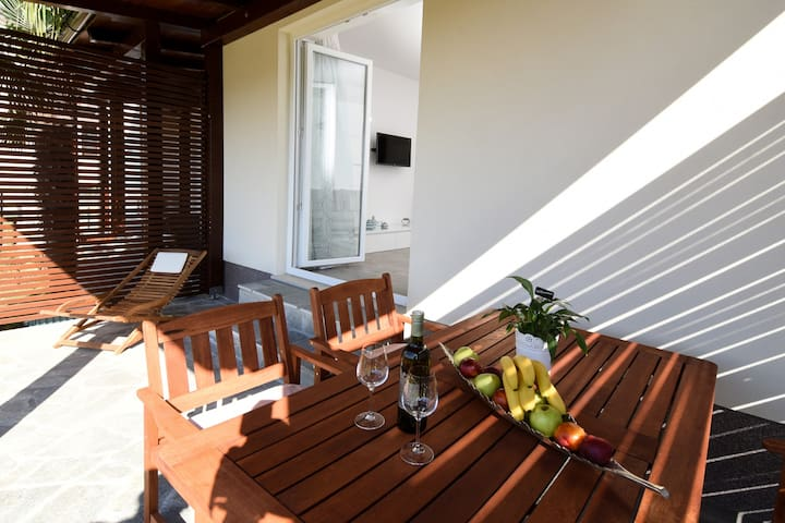 Villa LUX**** Malinska-4 persons HELLO SUMMER 2020