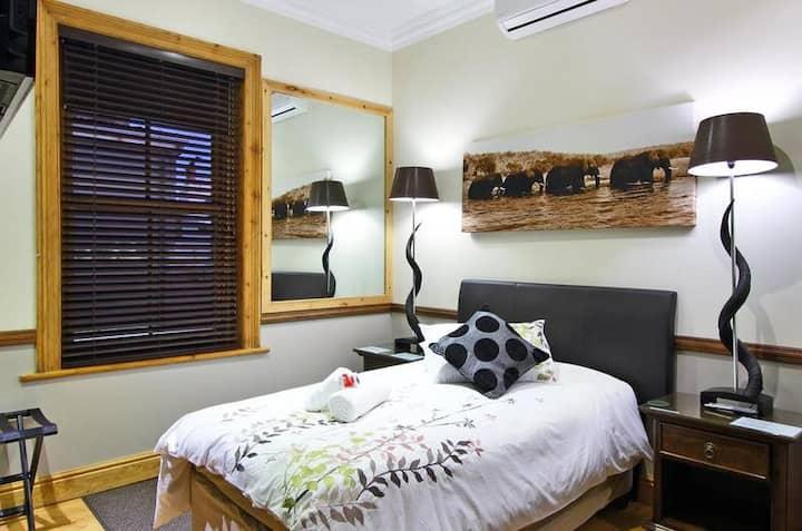 Wilton Manor - Standard Single Room