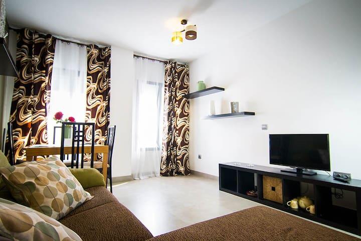 Tranquilo, centrico y moderno apto - Málaga - House