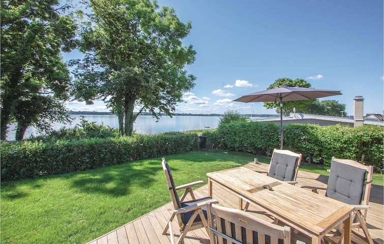 Holiday cottage with 3 bedrooms on 80 m² in Aabenraa