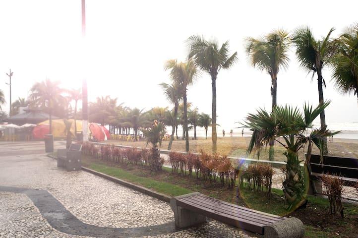 APARTAMENTO NA VILA TUPI (200 m da praia) - Praia Grande - Wohnung