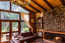 Queen Room in Boutique Mountain Lodge