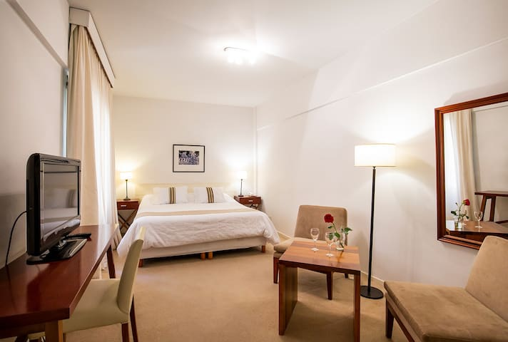 Private Apt in the heart of the city! Floor 5