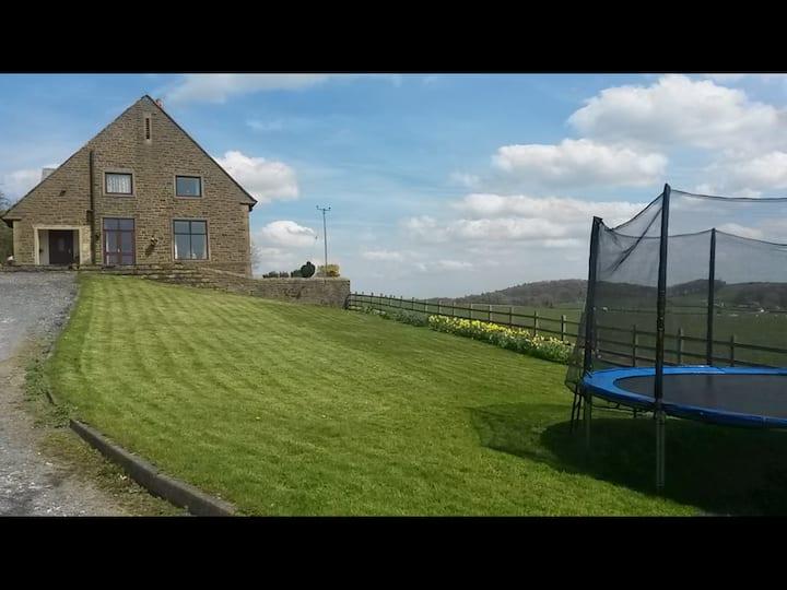 Tenley farm cottage, set in stunning scenery