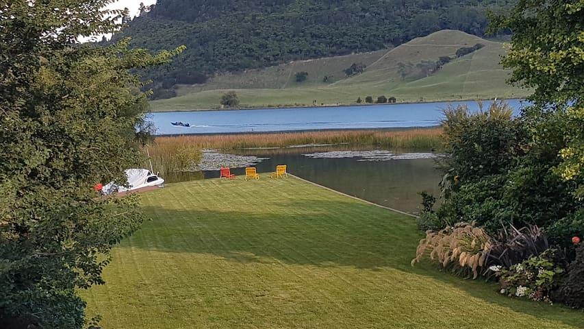 Rotorua, Lake Side, Okareka
