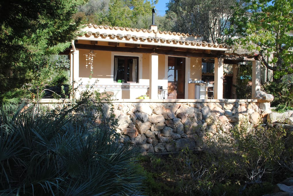 Small house in lush garden setting houses for rent in - Tiny house espana ...