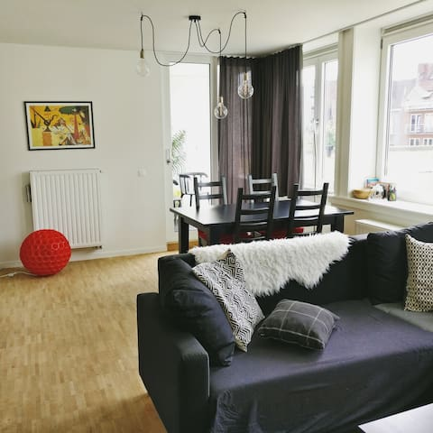 Cosy and modern apartment near train station