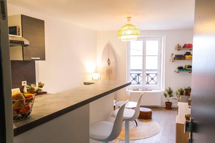 NEW_Bright 2 room apartment near LYON STATION