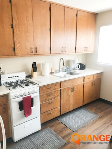 Furnished and serviced Williston apt - sleeps 4!