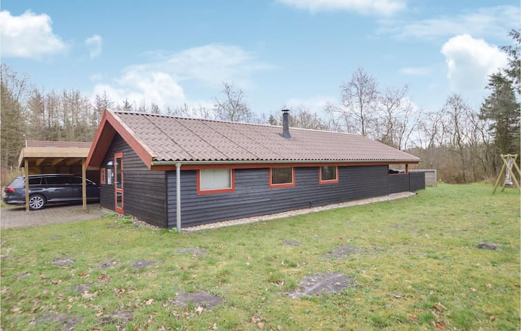 Holiday cottage with 3 bedrooms on 84m² in Toftlund