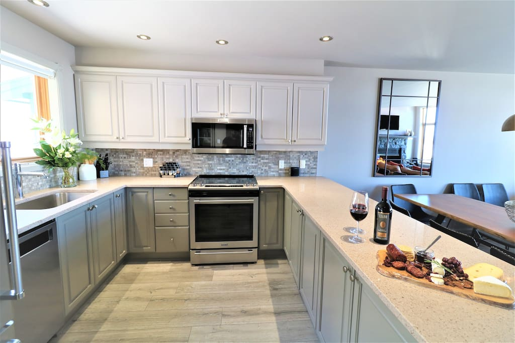 Any meals can be cook here with this fully equipped kitchen